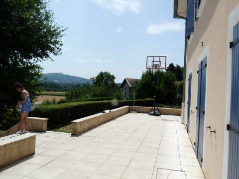 Terrasse trop étroite pour installer le salon de jardin