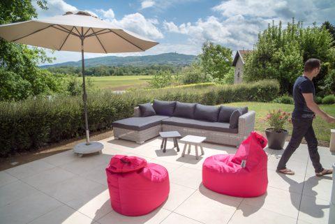 Le soleil arrive, lançons les invitations pour profiter de ce nouveau mobilier!!!