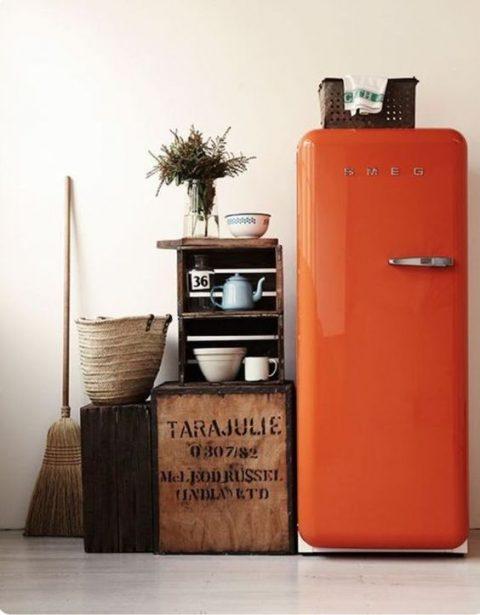 Réfrigérateur Orange dans une cuisine afin de mettre un peu de peps!
